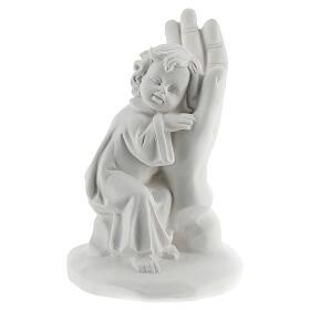 Bambino poggiato su mano resina 10 cm s1