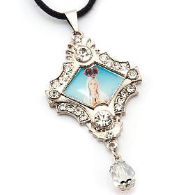 Croix pendentif, image Vierge,verre, nacre, paillettes s3