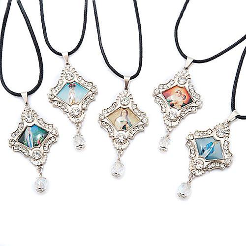 Croix pendentif, image Vierge,verre, nacre, paillettes 1