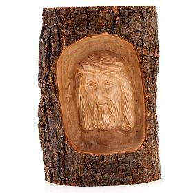 Bas relief en bois, visage du Christ, les yeux ouverts s1