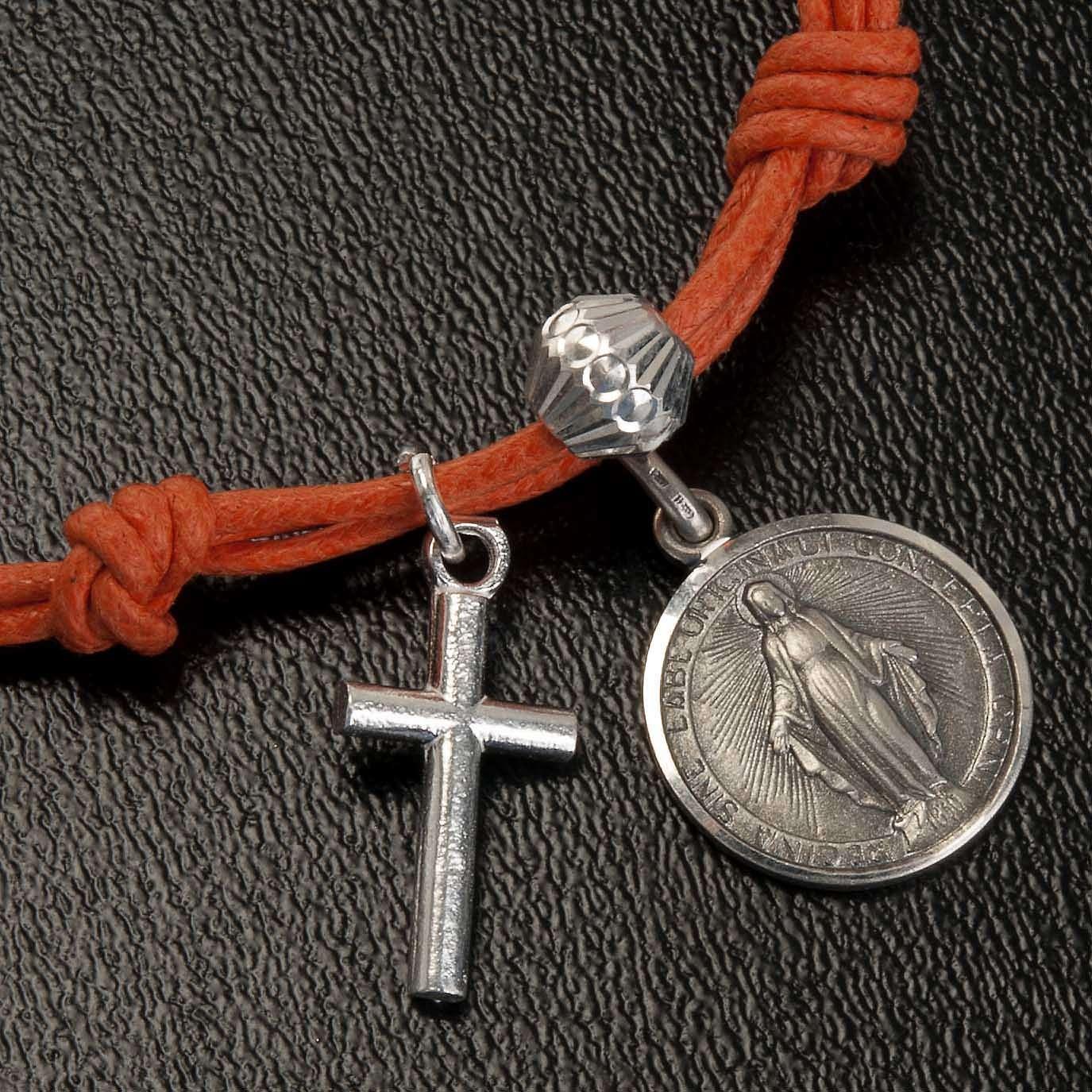 Bracelet with coloured string 4