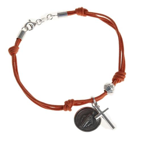 Bracelet with coloured string 1
