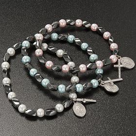Elastic bracelet in hematite and fake pearl s3