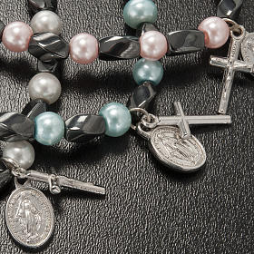 Elastic bracelet in hematite and fake pearl s4
