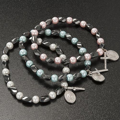 Elastic bracelet in hematite and fake pearl 3