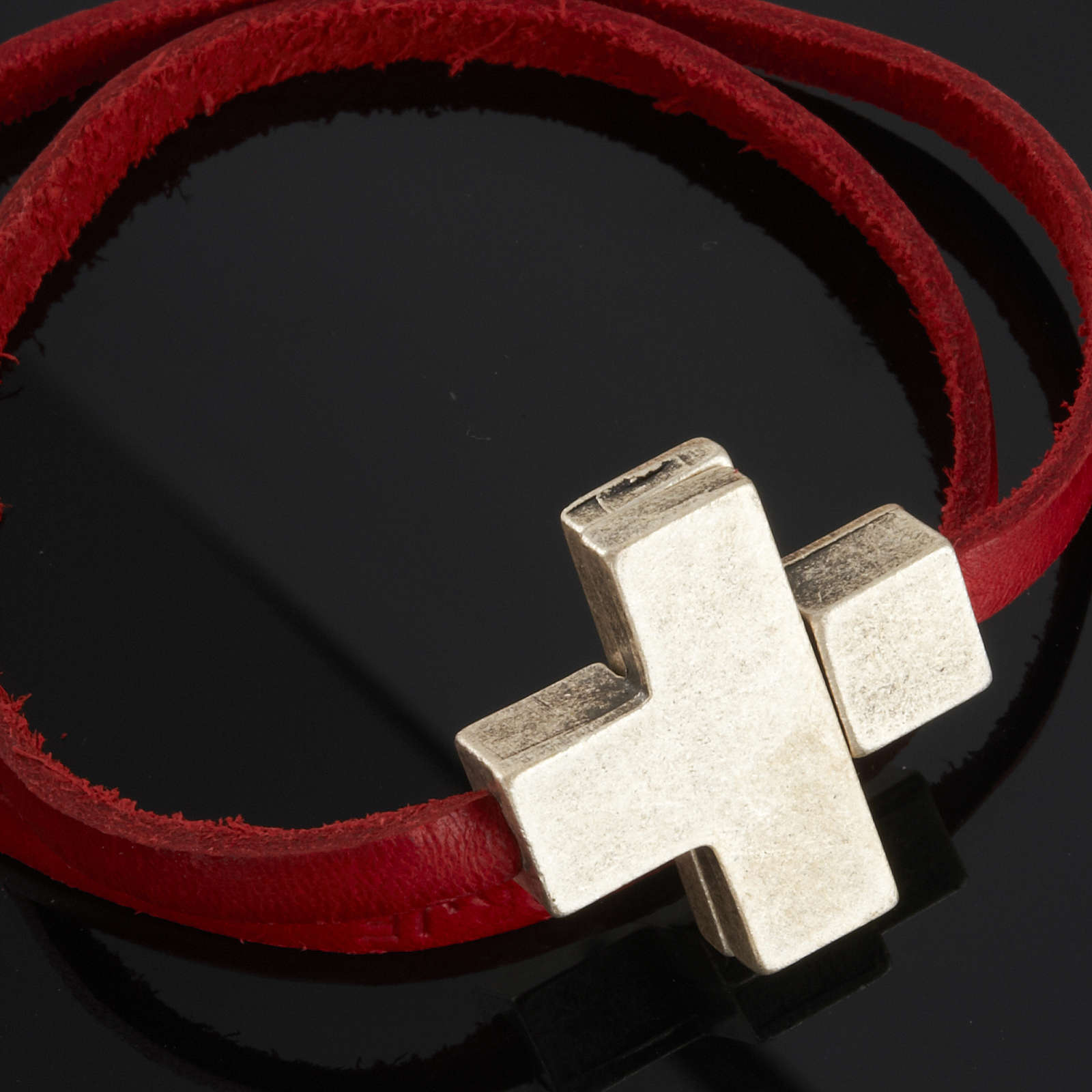 Religious bracelet in leather with zamak cross lenght 39 cm 4