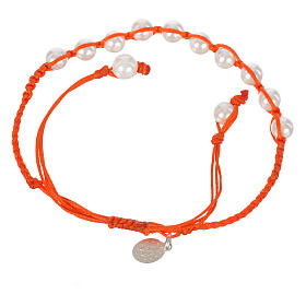 Bracelet in pearl with Miraculous Medal in silver with orange cord s2
