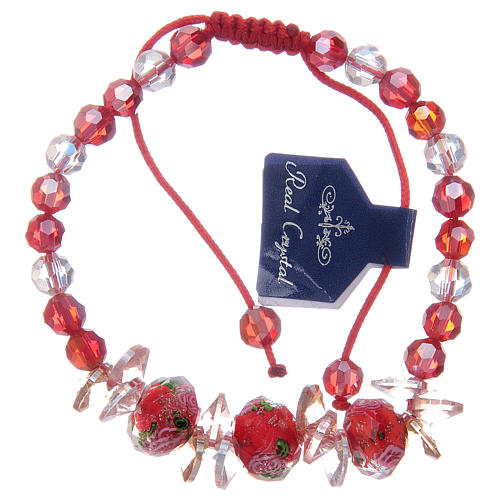 Bracciale cordoncino rosso con grani in cristallo e rose 1