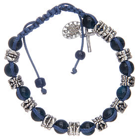 Bracelet avec grains en verre et métal sur corde bleu s2