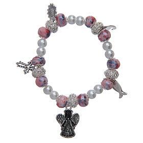 Bracciale elastico con grani decorati rosa con ciondoli simboli cristiani s2