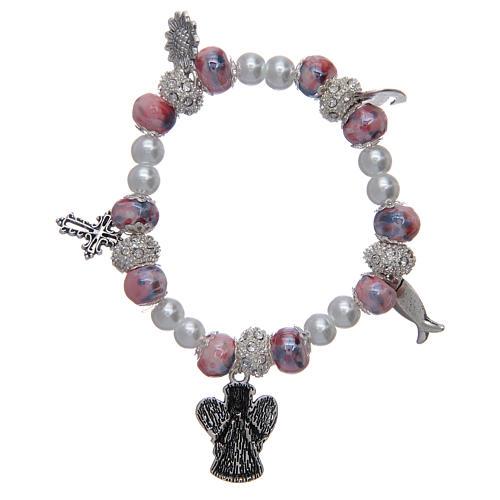 Bracciale elastico con grani decorati rosa con ciondoli simboli cristiani 2