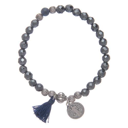 Bracelet élastique en hématite et médaille St Benoît 1