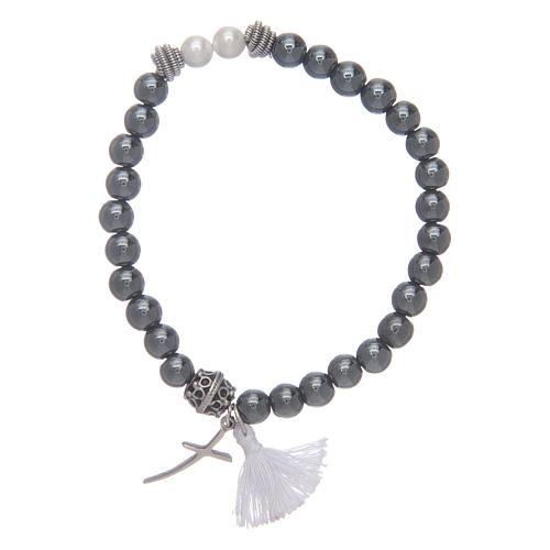 Bracciale elastico con croce e nappina bianca 1