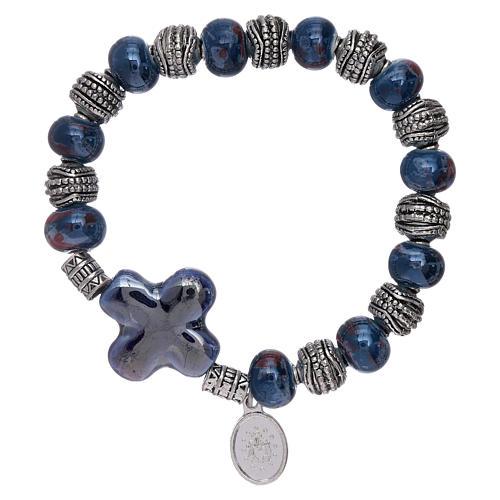 Bracciale elastico grani ceramica 10x8 mm e croce blu 2