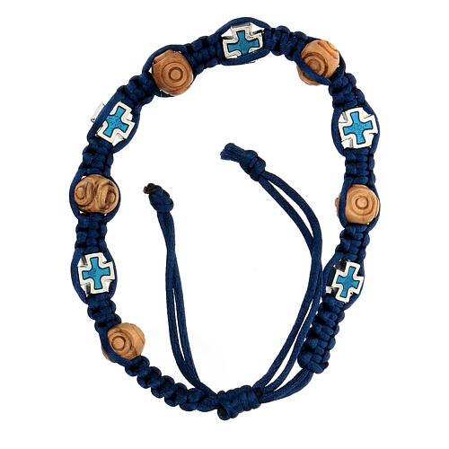 Bracciale in corda blu regolabile con grani legno e crocetta 8x6 mm 1
