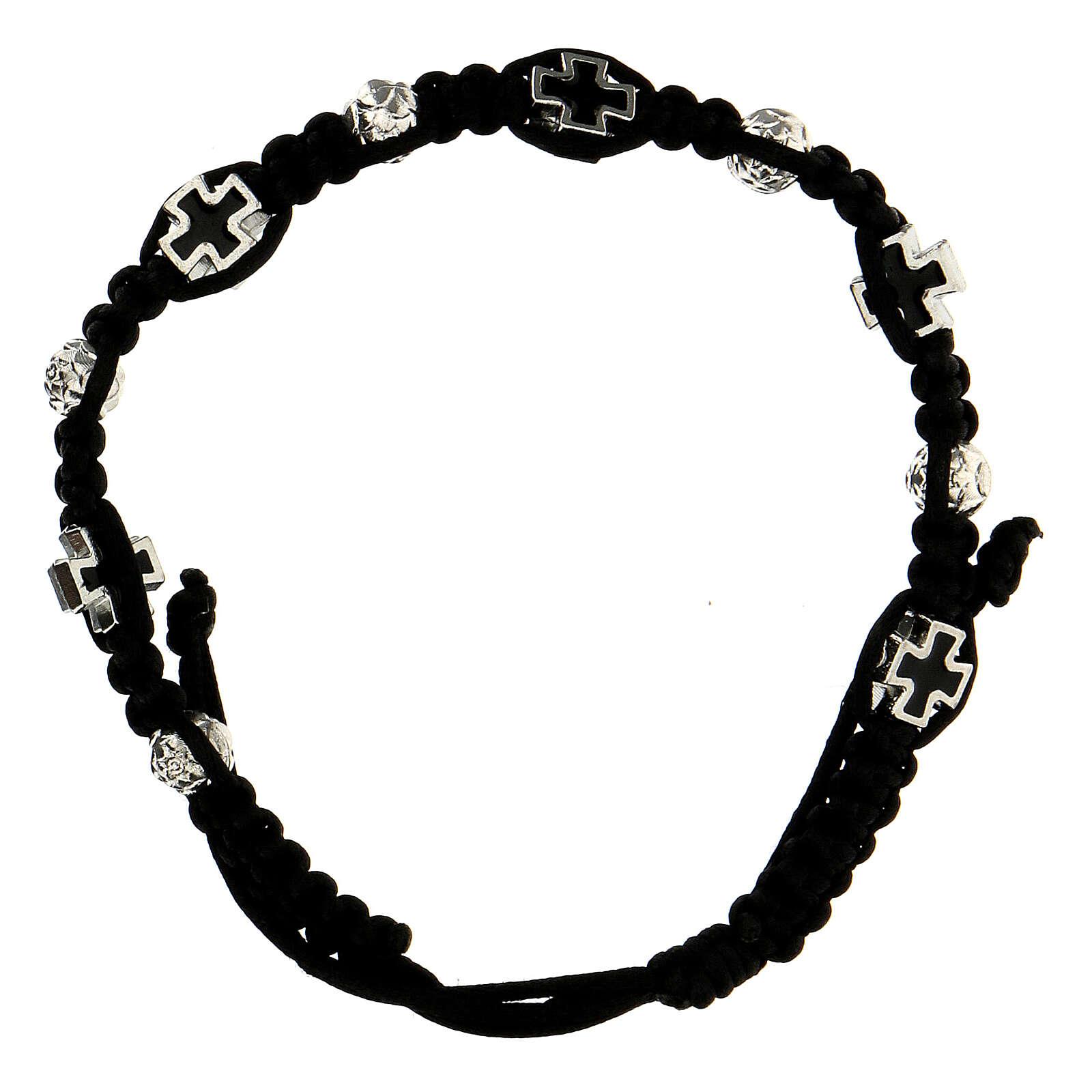 Bracelet dizainier noir tressé avec grains rose 6x7 mm et croix émaillées 4