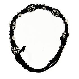 Bracelet dizainier noir tressé avec grains rose 6x7 mm et croix émaillées s2