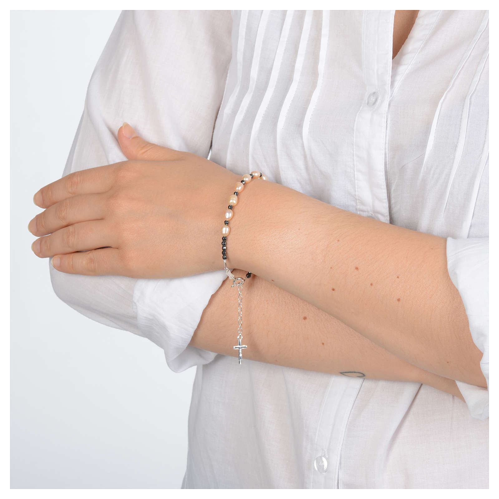 Rosary bracelet with river pearls rosè in 800 sterling silver 4