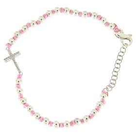 Bracciale croce argento e zirconi bianchi, sfere 3 mm separate da nodi cotone rosa s1