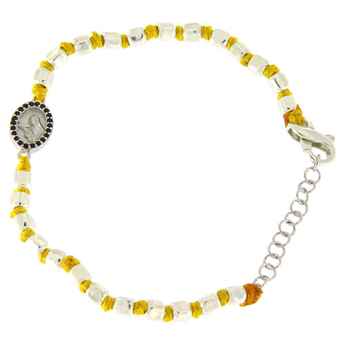 Pulsera esfera cúbica plata 2 mm, pequeña medalla zircones negros S. Rita, cuerda amarilla con nudo 1
