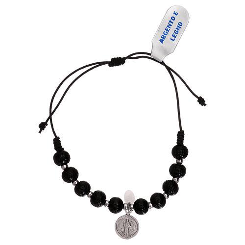 Bracelet chapelet en bois noir taillé avec médaille 1