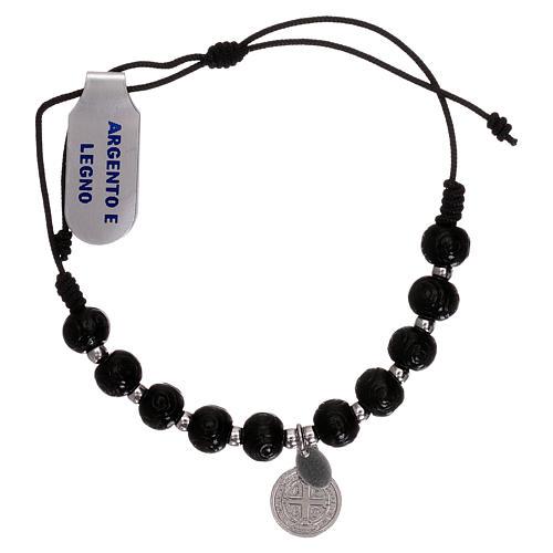 Bracelet chapelet en bois noir taillé avec médaille 2