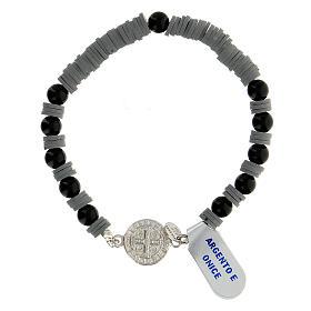 Pulseira contas de ónix e discos de goma cinzenta com medalha de São Bento prata 925