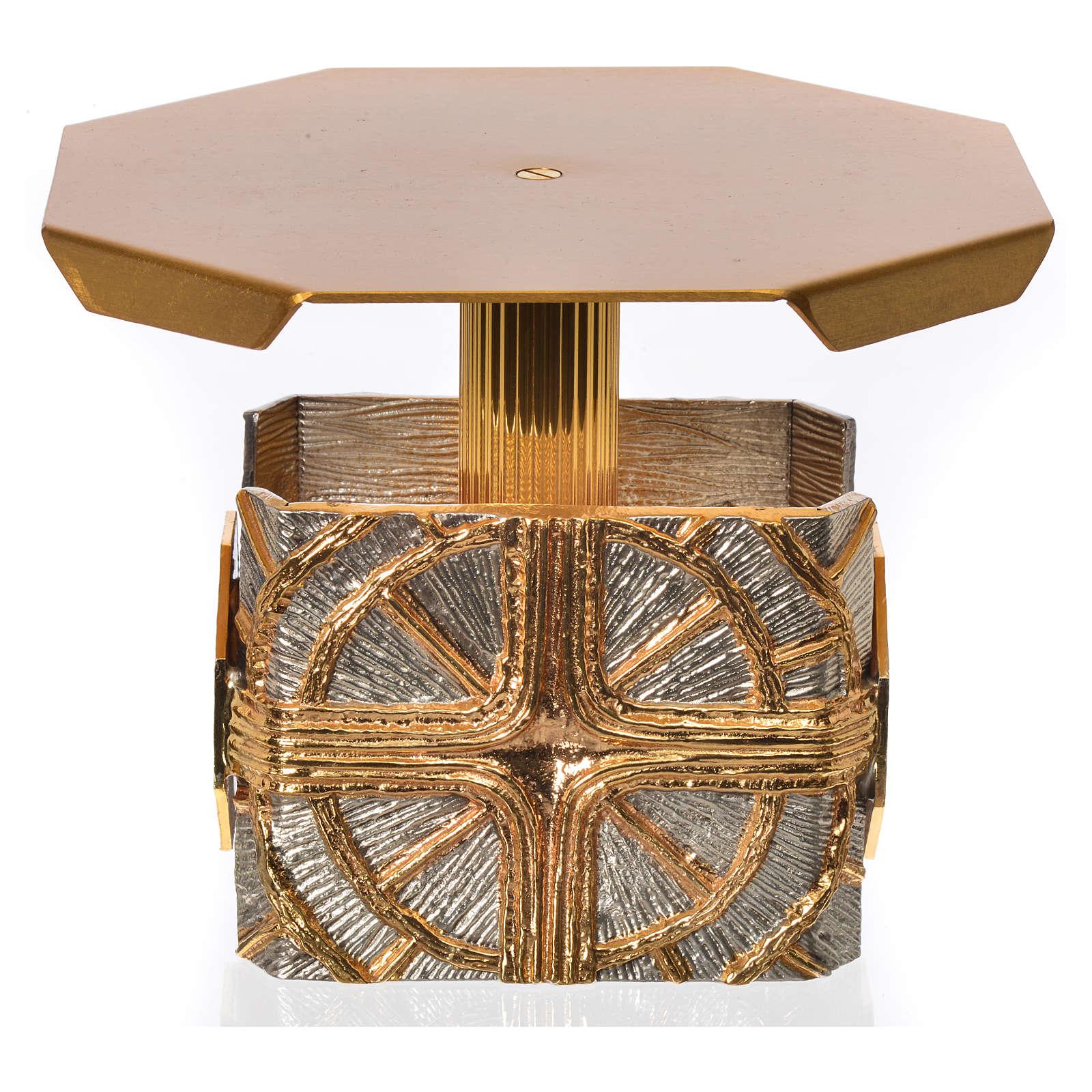 Trono octagonal con cruz y rayas 4