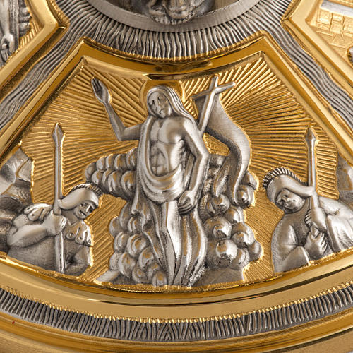 Monstrance throne in brass with images on foot 3