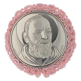 Medalhões e Medalhas para Berço: Medalhão redondo prata Padre Pio e caixa de música cor-de-rosa