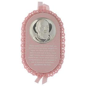 Medalhões e Medalhas para Berço: Medalha para berço cor-de-rosa oval Padre Pio com oração ITA e caixa de música