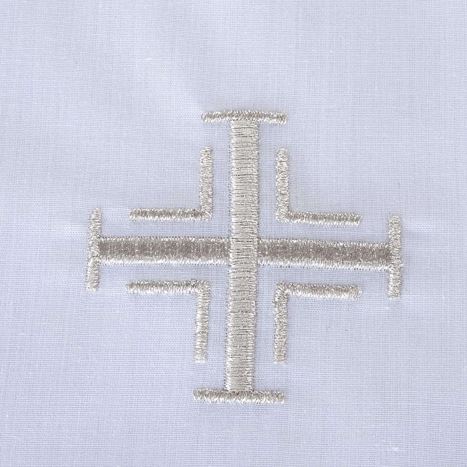 Traje de bautizo con cruz de color plata 4