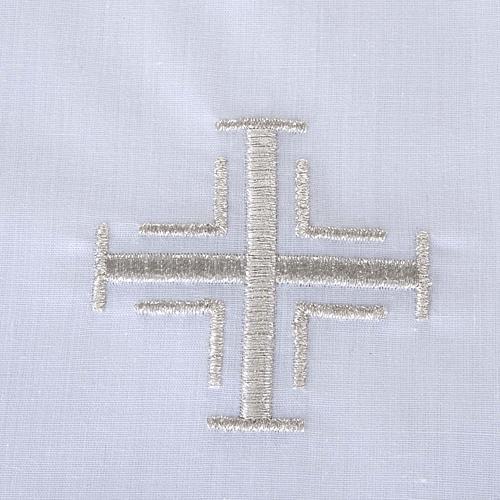 Traje de bautizo con cruz de color plata 3