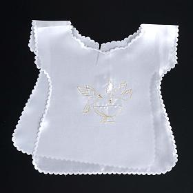 Baptismal gown in satin, doves and baptismal font s4