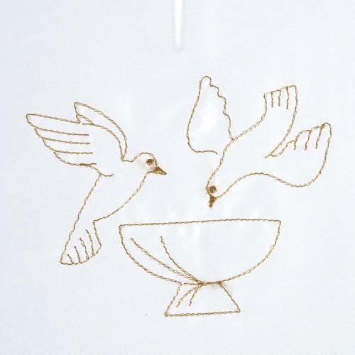 Brassière baptême colombes sur fonts baptismaux satin 2