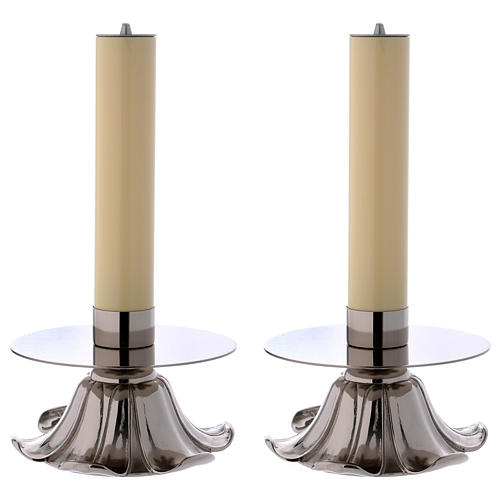 Candelieri in ottone argentato petali 1