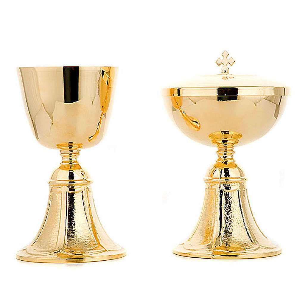 Chalice and Ciborium with base 4