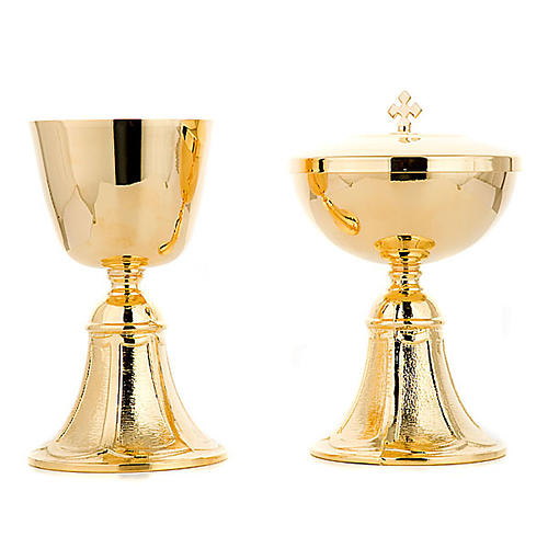 Chalice and Ciborium with base 5