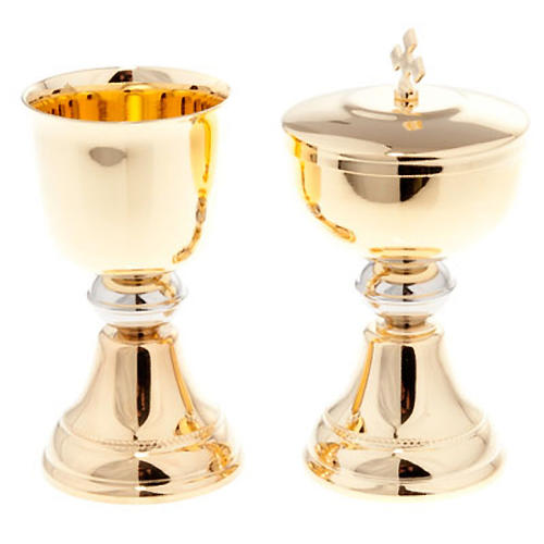 Chalice and ciborium for travel in gold-plated brass 1