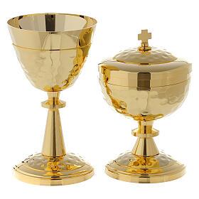 Decorated traveling chalice and ciborium s1