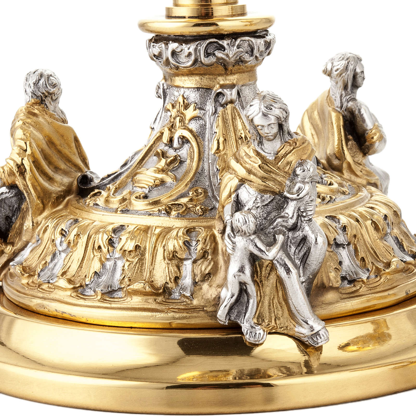 Chalice and ciborium Putti 4