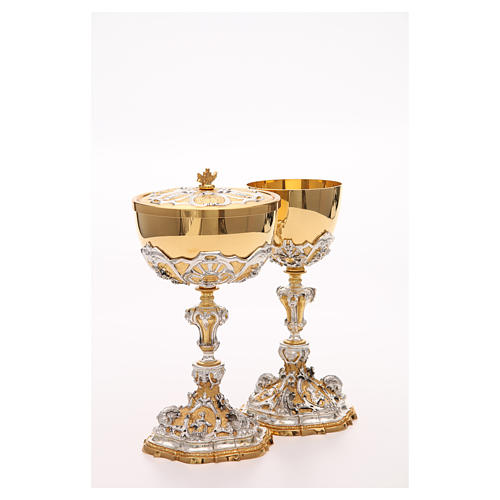 Chalice and ciborium with Sacred Heart of Jesus 9