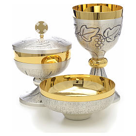 Chalice, ciborium and paten with grapes, ears of wheat and cross s1