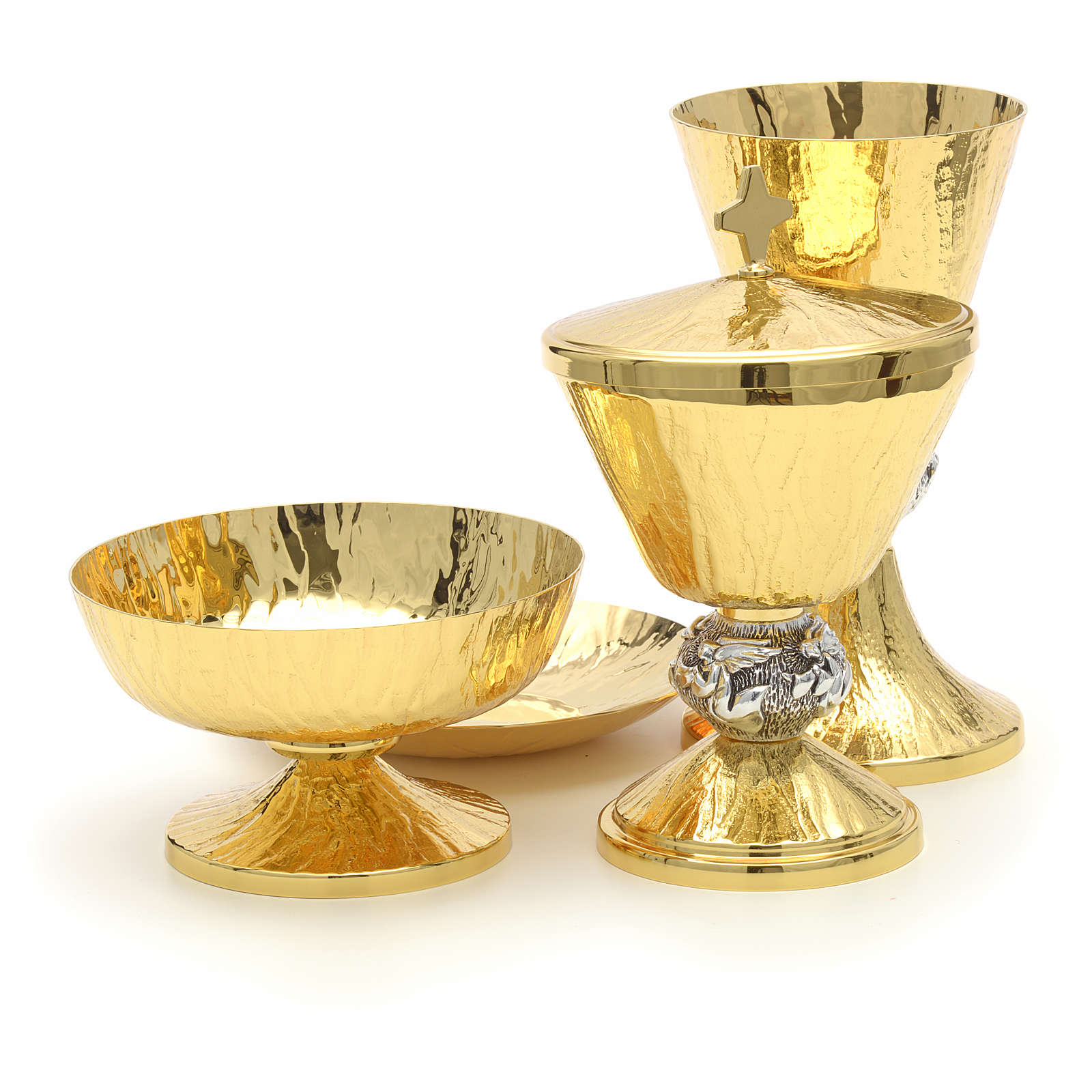 Chalice, ciborium and paten with Angels symbol 4