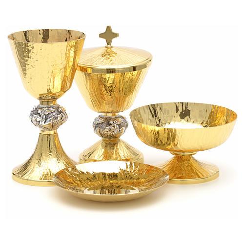 Calice pisside patene ottone cesellato e argento con angeli 1