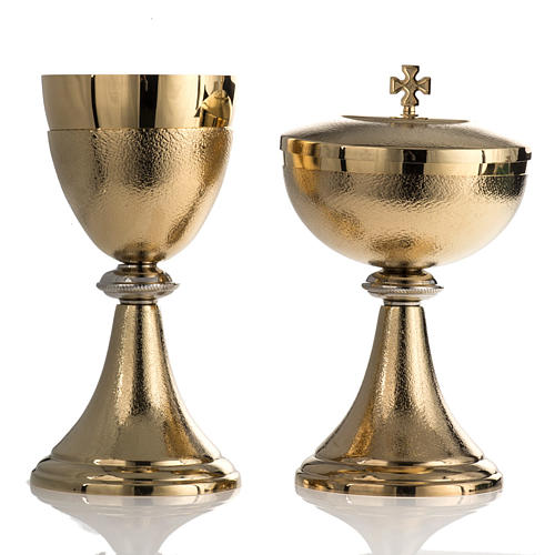 Chalice and Ciborium, golden brass with knurled finishing 1