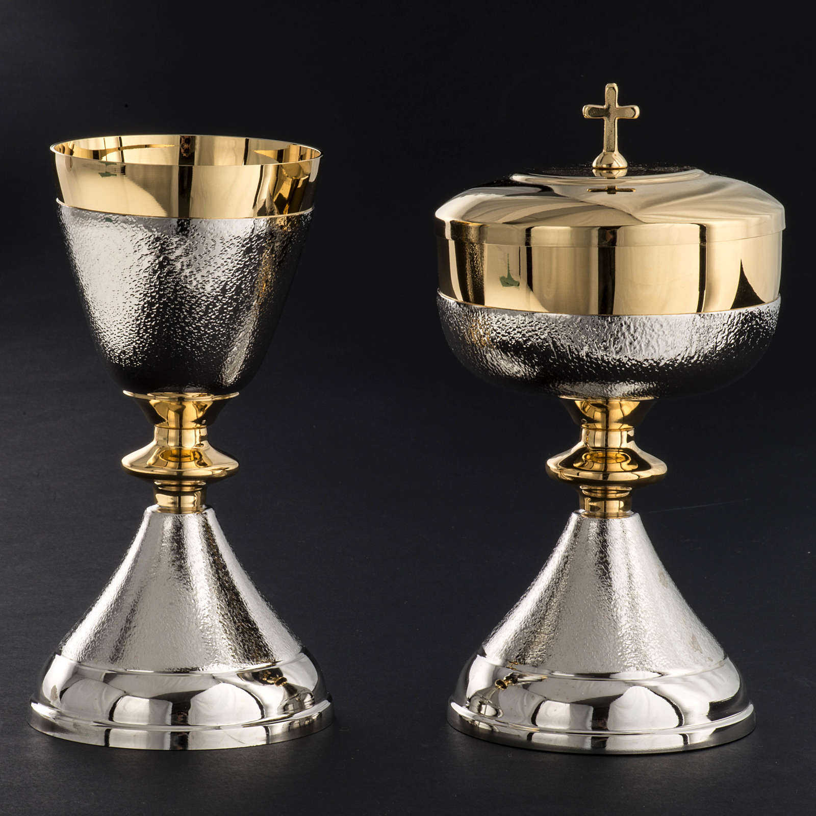 Chalice and Ciborium in silver brass, Knurled finishing 4