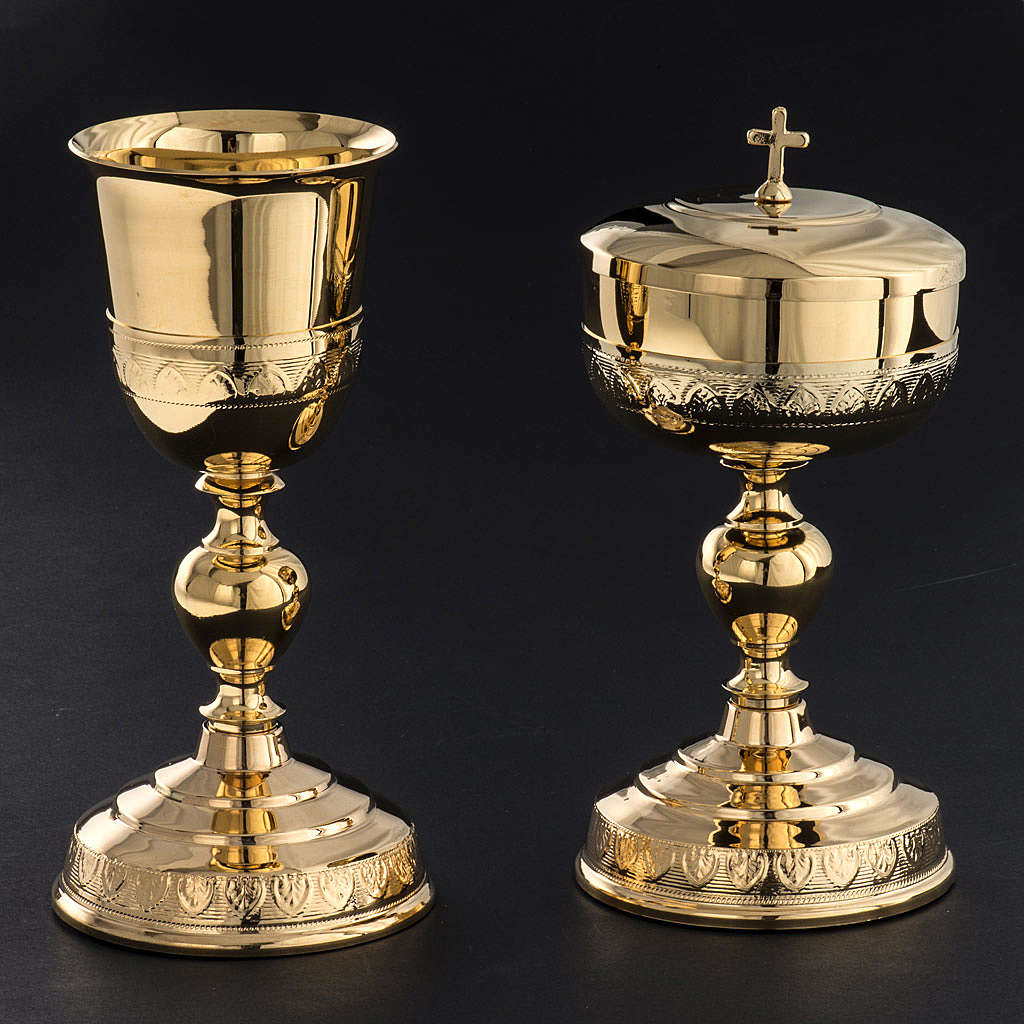 Chalice and Ciborium in golden brass, leaves decoration 4