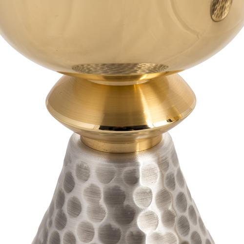 Calice e Pisside in ottone martellato argentato dorato 3