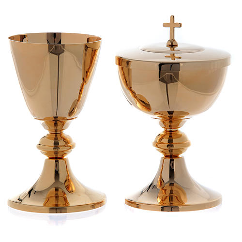 Chalice and ciborium with round node in golden plated brass 1